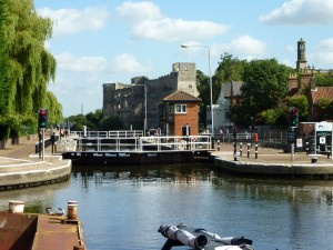 Newark town lock and castle