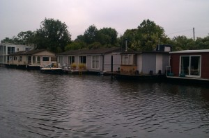 There are lots of houseboats on this section